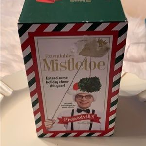 NWT Mistletoe by Presentville. Carry your own!